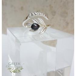 Ezüst és fekete gyöngy olajág gyűrű