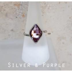 Lila rombusz swarovski és ezüst gyűrű