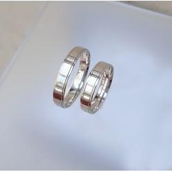 Ezüst fényes karikagyűrűk