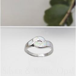 Ezüst és fehér opál gyűrű