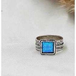 Kék nemesopál gyűrű